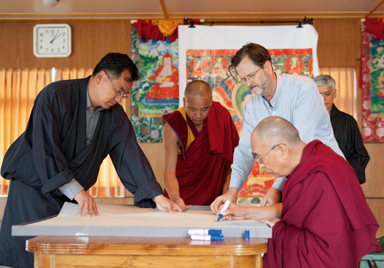 MURALS OF TIBET signiert vom Dalai-Lama