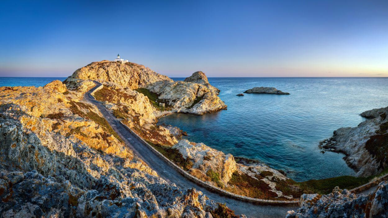 Traumhafte Küstenabschnitte & Entspannen in kleinen Buchten