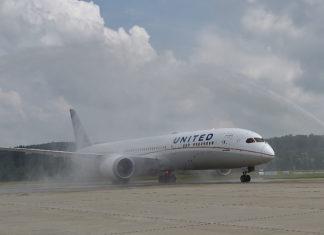 United Airlines Erstflug Zürich-San Francisco 8. Juni 2018 - Wasserfontäne