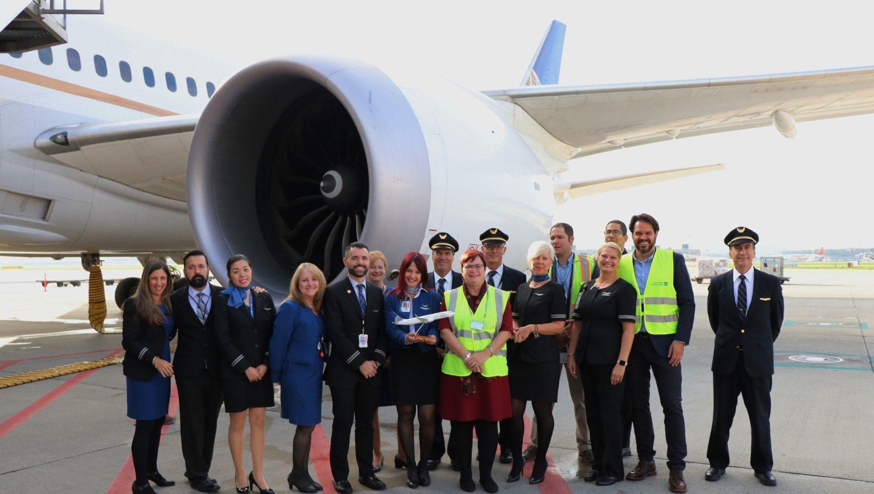 United Airlines Crew, Maria Race und Reto Schneider nach der landung am ZRH Airport