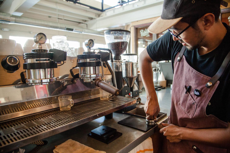 Barista im Publik Coffee Roasters in Salt Lake City. / Bild: Utah Office of Tourism