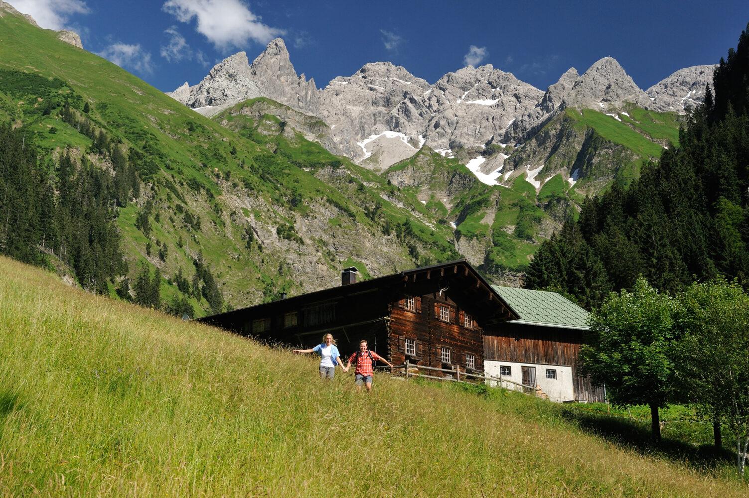 Inmitten der traumhaften Kulisse der Allgäuer Hochalpen sind die Outdoor-Aktivitäten in der Region Oberstdorf nahezu grenzenlos. (Foto: Oberstdorf Tourismus, Photografie Monschau)